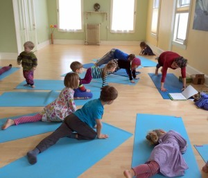 kids-yoga-2-300x257